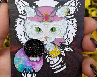 White Fortune-Teller Cat Pin