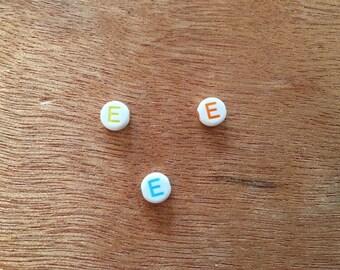 "10 Pearl ""E"" round acrylic 7 mm"