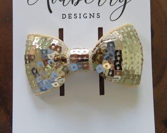 Gold Square Sequin Bow Clip