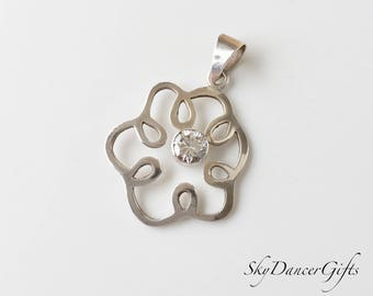 Cubic zirconia pendant