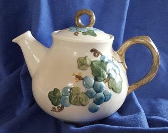 Metlox poppy trail blue grape teapot