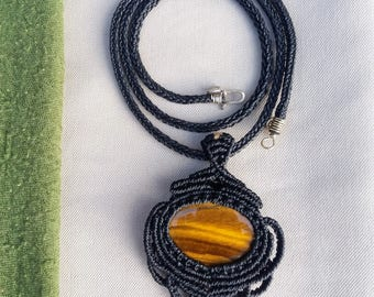 Macrame Necklace with Tiger eye