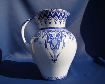 jug in faience of creil and montereau