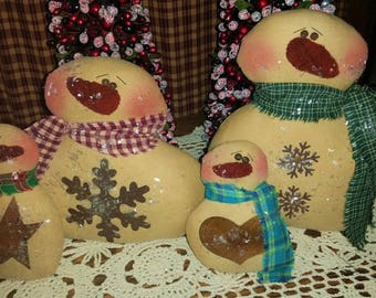 Handmade Snowflake Family | 4 Snowman Dolls | Christmas Decoration | Winter Decor