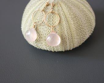 Rose quartz earrings,gold rose quartz earrings,dainty pink earrings,delicate rose quartz earrings,gift for her,gift under 30,birthday gift