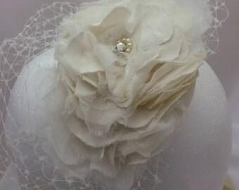Wedding Headpiece, Ivory Floral headpiece,Silk Flower Wedding Headpiece, Vintage Silk Flower Headpiece,Shabby Chic Bridal