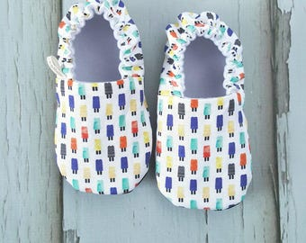 Popsicle Blue Baby Moccs / Baby Shoes / Baby Moccasins / Soft Sole Shoes / Montessori Shoes / Waldorf Shoes / Vegan Moccs / Vegan Moccasins