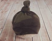 Camouflage newborn hat .. top knot .. photo prop .. Baby photography.. hunting hat .. camo .. army .. military.. boy hat .. fall prop