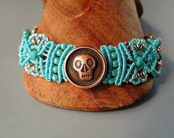 Aqua and Copper Skully Micro Macrame Bracelet  - Beaded Macrame - Day of the Dead Jewelry - Día de Muertos Jewelry - Skull