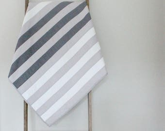 Simple Stripes Baby Quilt in Gray and White