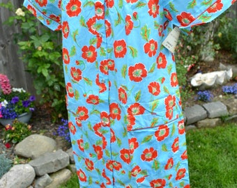 Vintage House Dress Summer Robe - Sears Snap Front Housecoat - Red Flowers on Turquoise - SM NWT