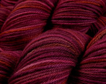 Hand Dyed Yarn - Worsted Weight Superwash Merino Wool Yarn - Merlot Multi - Indie Dyed Hand Knitting Yarn, Worsted Yarn, Burgundy Red Wine