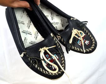 Minnetonka Beaded Black Leather Vintage Moccasin Shoes