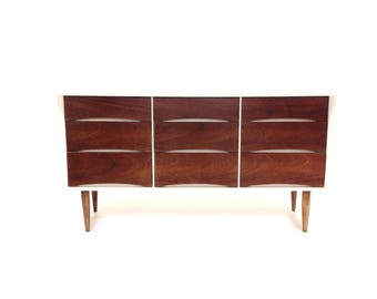 Vintage Mid Century Dresser In White and Wood