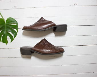 Vintage Leather Mules 9 / Brown Leather Mules / Slip On Mules / Woven Leather Sandals / Brown Leather Slip Ons