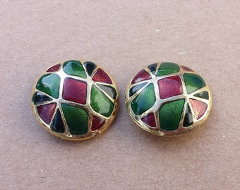 Multi Colored Green Red Metal Gold Tone Dome Shaped Vintage Clip On Earrings