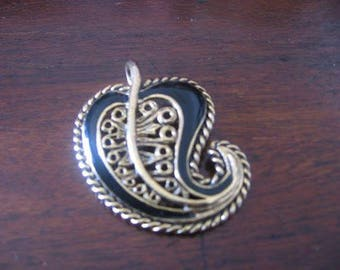 Vintage Rare Black Gold Tone  Engraved Multi-functional Pendant Broach