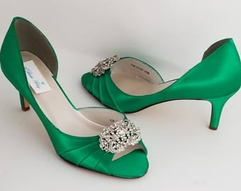 Emerald Green Bridal Shoes Green Bridesmaid Shoes Green Wedding Shoes with Vintage Style Brooch - Over 100 Color Shoe Choices to Pick From
