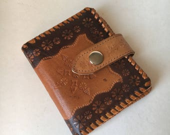 Sturdy vintage tooled daisy leather snap flap wallet change purse two toned