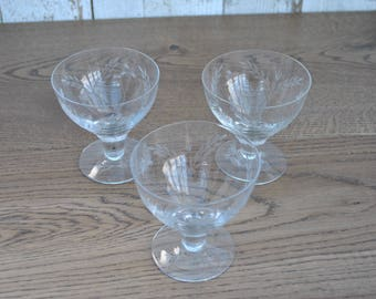 Vintage - Set of 3 etched glasses - Champagne - Martini - Party