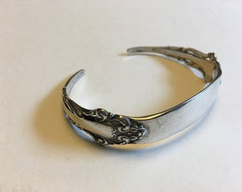 Reed and Barton Sterling silver spoon cuff bracelet in swirled pattern    VJSE