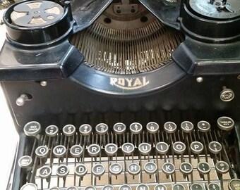 Royal 10 Typerwriter