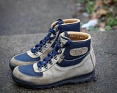 Lovely vintage Vasque Sundowner Skywalk Hiking Boots- Made in Italy in 1993- Size 9 NARROW Womens Gore-Tex may fit trans/other genders