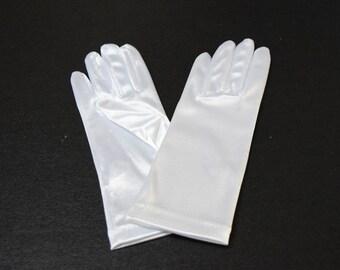White Satin Wristl Ladies Gloves
