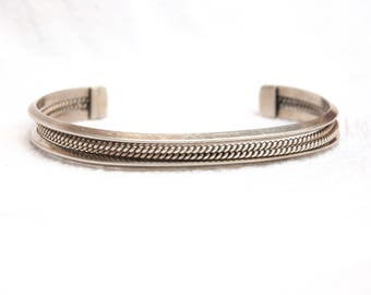 Southwestern Cuff Bracelet Vintage Sterling Silver Size 6 .5  Medium Unisex Jewelry Signed TAH Stackable