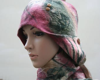 "Hat of felt and silk Burgundy and green ""Soledad""..."