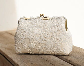 Sweet Couture Ivory Lace Clutch Purse / Vintage Romance Wedding  / Bridal Accessories /