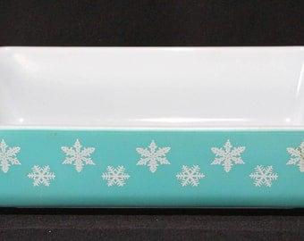 Pyrex Rectangular Casserole, Snowflake Pattern