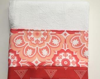 Fabric Trimmed Flour Sack Kitchen Tea Towel