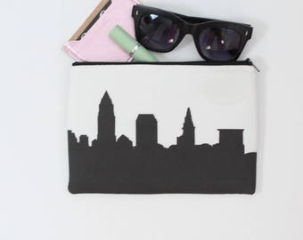 Cleveland City Clutch Purse with Wristlet - Skyline Silhouette