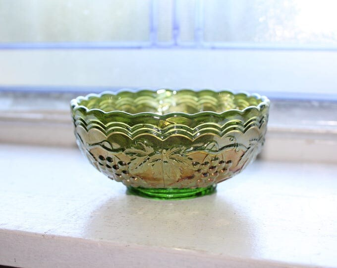 Carnival Glass Berry Bowl Green Grape Vintage Imperial