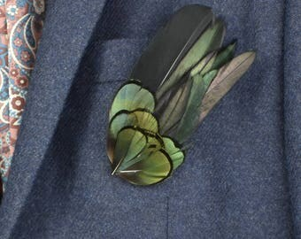 Feather Lapel Pin in Black and Green | Green Feather Boutonniere | Black Feather Brooch | Feather Hat Pin | Feather Lapel Pin