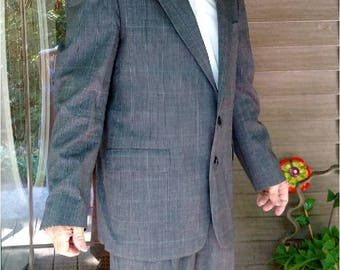 80s Men's Suit -WIDE 3.5 Inch Lapels Palm Beach Tailored For Edwards of Michigan 2 pc Classy Muted Checks- Pleated Pants Clean GOOD To GO!!