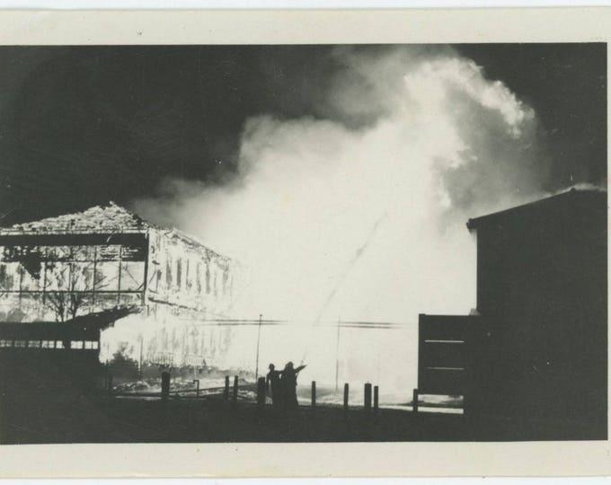 Vintage Snapshot Photo: Fire Fighting (712628)