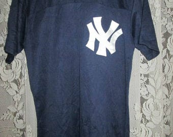 Vintage NY Baseball Jersey shirt No.3 Majestic Made In USA