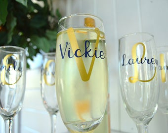Bridesmaid Gift - Bridesmaid Champagne Flutes - Personalized Toasting Flutes - Wedding Party Flutes - Bridesmaid Gifts - Wedding Party Gifts