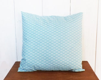 Cushion cover 40 x 40 cm fabric waves pattern Japanese blue and white