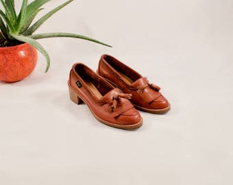 cognac leather loafers / bass loafers / heeled loafers / 8.5 - 39 / chunky loafers / kiltie loafers / tassled loafers / brown loafers