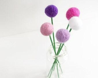 Felt billy buttons, felt ball flowers, pom pom flowers, felt flowers, pom pom decor, felt decor, felt decoration, felt ornament, faux flower