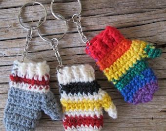 Mitten key chain / Handmade mini mitt quarter keeper keychain / mitten zipper pull / sock monkey mitten purse charm