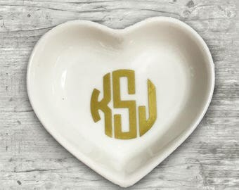 Heart ring dish, heart jewelry dish, monogrammed ring dish, monogrammed jewelry dish, earrings,  bridesmaids gifts, engagement gift