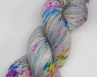 hand dyed yarn, hand painted yarn, handpainted yarn, superwash merino yarn, sock yarn, fingering, speckle dyed yarn, speckles, speckled yarn