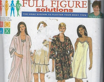 "Simplicity 8486 ""Mary Duffy""  Womens/Womens Petite Slip or Nightgown, Camisole, Tap Pants and Robe   Size  (18W-24W)  UNCUT"