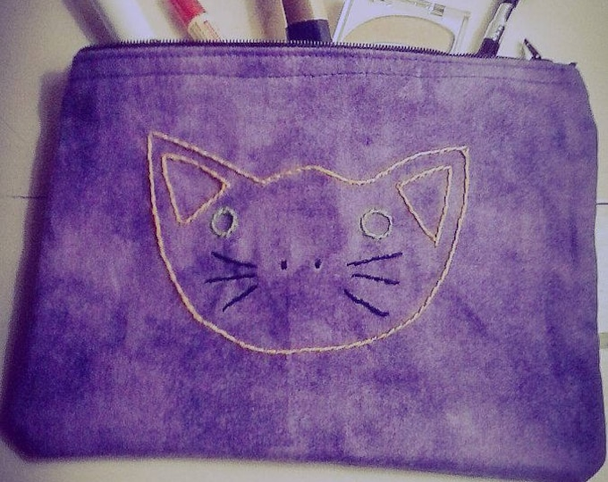 Featured listing image: Kitty Face Accessory or Makeup Bag