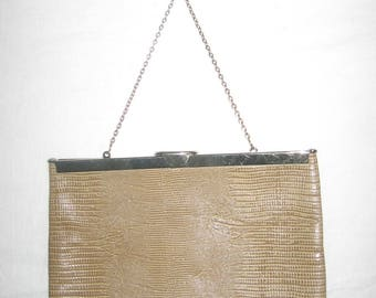 Vintage Etra? Beige Embossed Leather Gold Metal Fabric Lined Envelope Clutch Clasp Closure Chain Strap Handbag