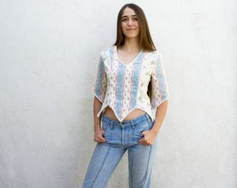 VINTAGE 1970s Praire Floral Cropped Scalloped Hem Blouse | Midriff Flower Print Lace Crop Top | Boho Hippie Festival Top | Country Floral